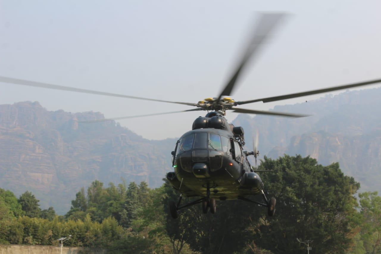 Helicóptero contra fuego