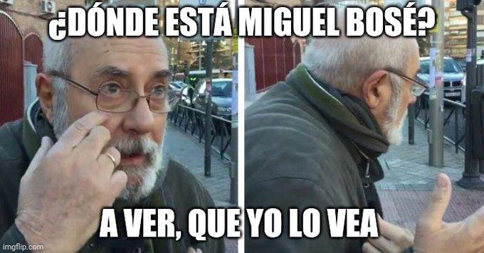 Miguel Bosé cubrebocas