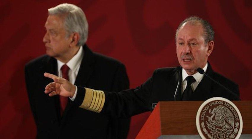 Almirante José Rafael Ojeda Durán y AMLO