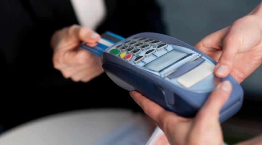 Alerta Interpol sobre nueva modalidad para robar datos a través de Terminales Punto de Venta