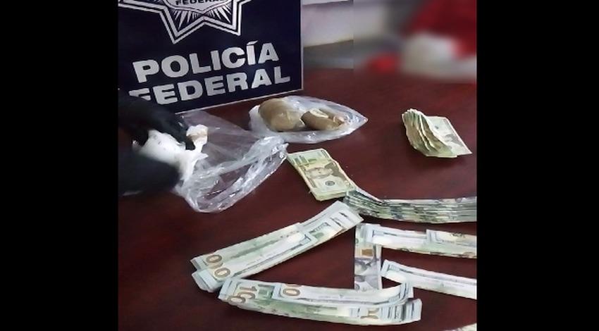 Colombiana con dólares