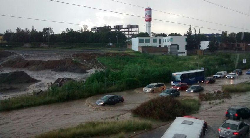 Inundaciones carretera México-Puebla