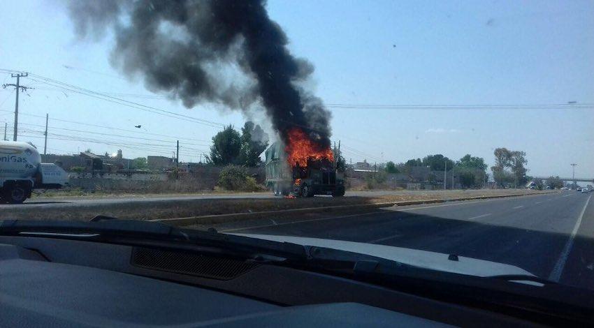 Vehículos quemados cártel Santa Rosa de Lima