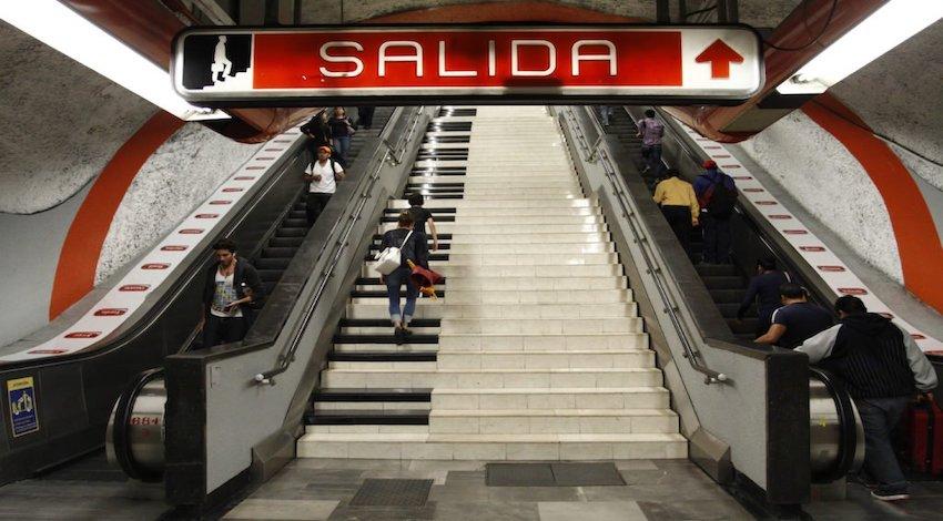 Escaleras Metro