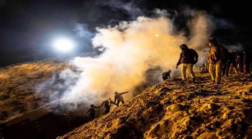 Gases lacrimógenos Muro Fronterizo
