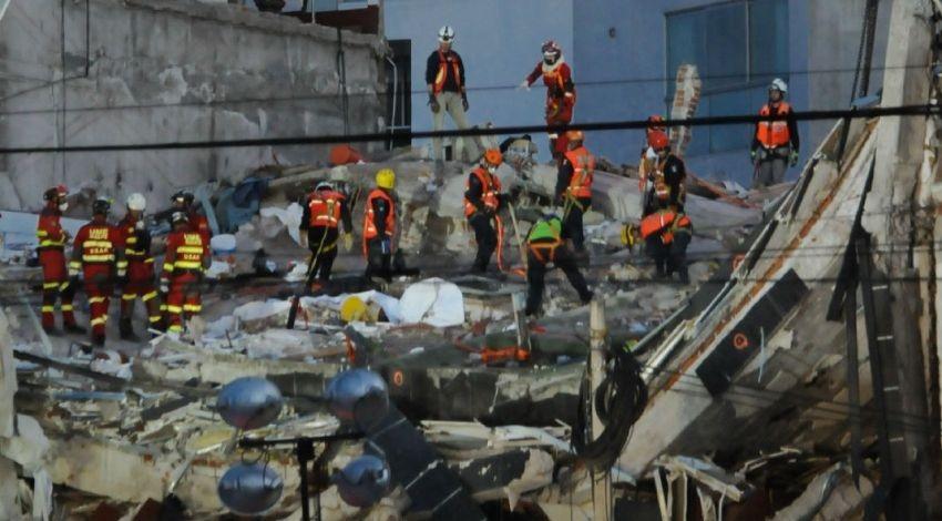 Equipo de rescate colombiano recupera seis cuerpos en Álvaro Obregón 286