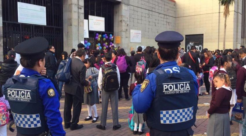 Policía Regreso a clases