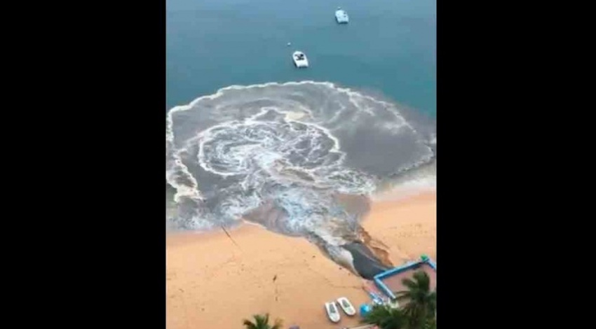 Aguas negras playa Icacos
