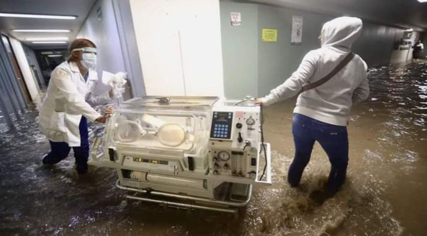 Hospital Atizapán inundado